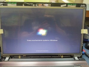 Wymiana rozlanej matrycy w laptopie Asus X73 SV