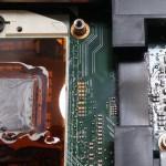 Czyszczenie układu chłodzenia w laptopie, wymiana pasty termoprzewodzącej na procesorze i na układzie graficznym. Czyszczenie wiatraka z kurzu i udrożnienie wylotu ciepłego powietrza.