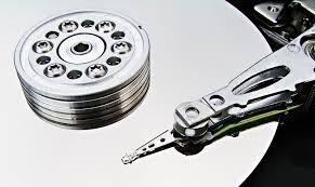 Odzyskiwanie danych Szczecin, dysk twardy, HDD, SSD, SD, smartfony, Apple, aparat, zdjęcia.